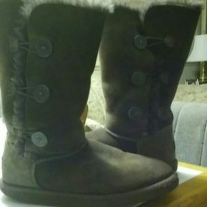 Chocolate Brown bailey triplet button Uggs